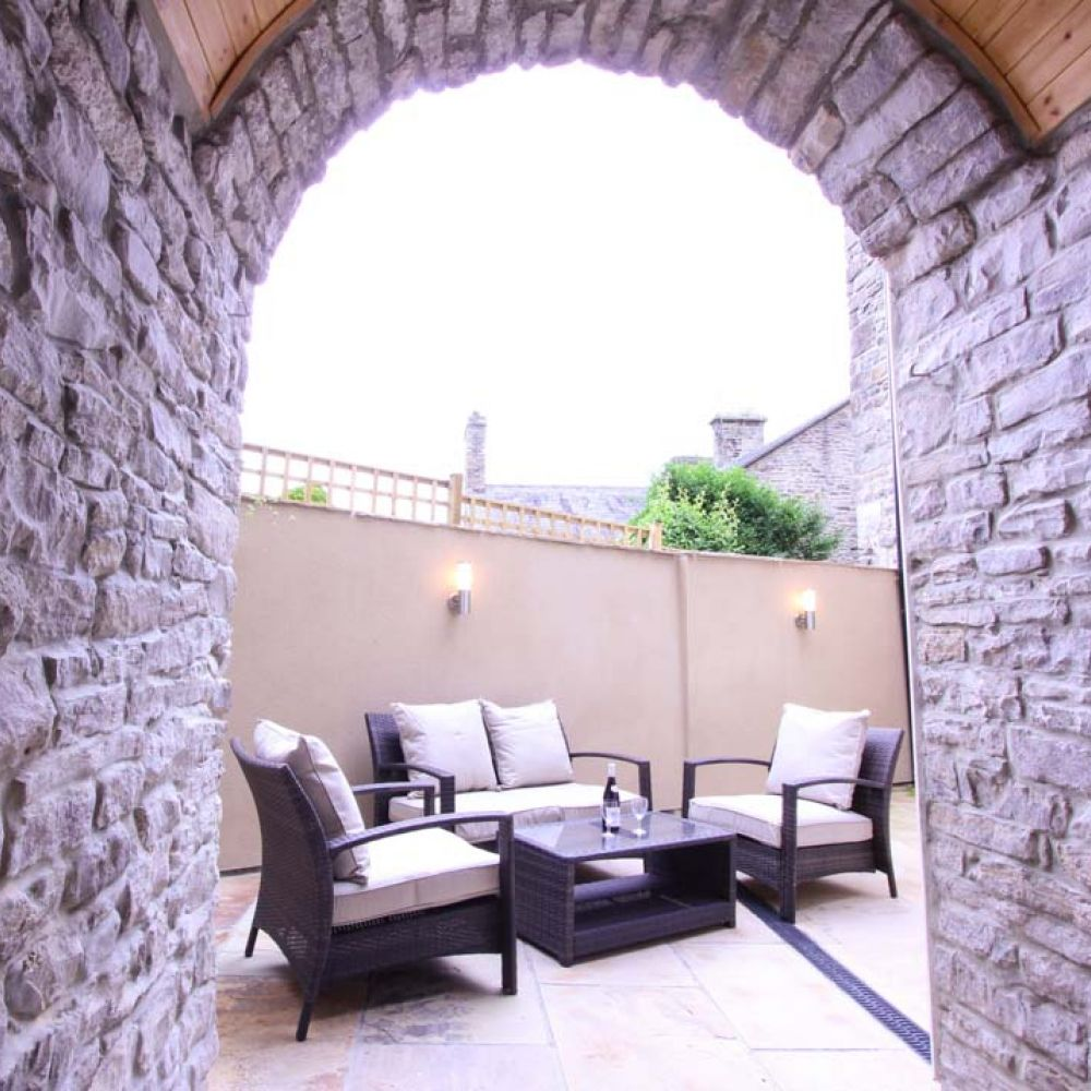 Back House Rentals: Queens Luxury Apartments County Durham